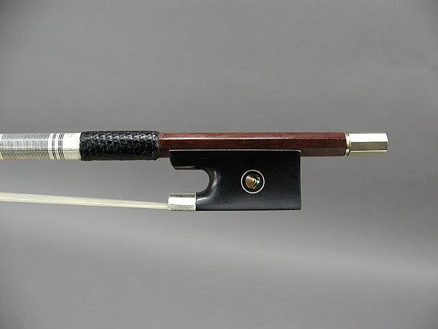 分数バイオリン弓 フェルナンブコ Model 2