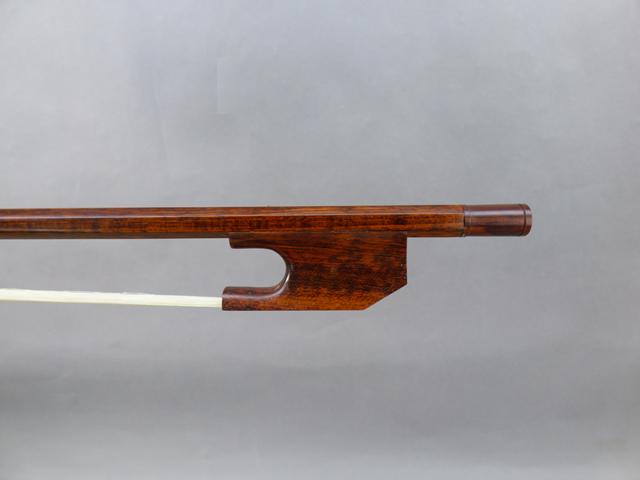 バロック チェロ弓Snakewood Snail Model # 024