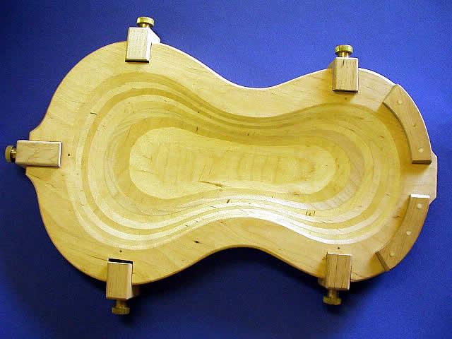 Formwood / Violin Cradle