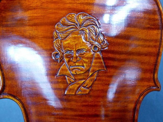 ベートーベン彫刻バイオリン Guaruneri Model One Picece Back