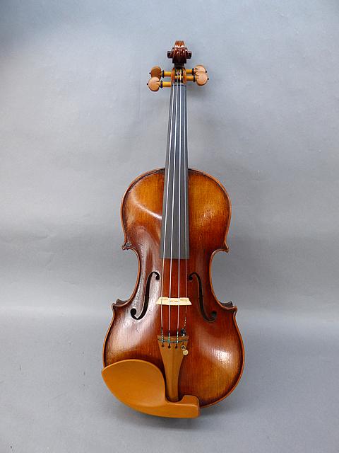 ガルネリ モデル バイオリン