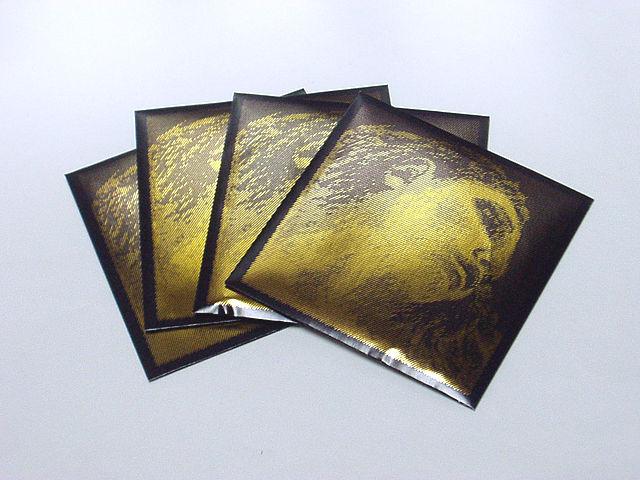 バイオリン弦 EVAH PIRAZZI GOLD set (G:Silver)エヴァ・ピラッツィ ゴールドセット(G線シルバー)