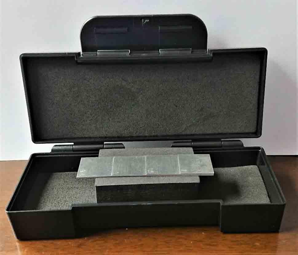 アルミニュウム製厚さ測定用4段試験片
