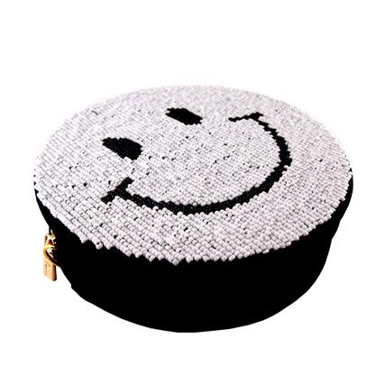 アンコキーヌ AnneCoquine ビーズ刺繍 ポーチ<スマイル> ホワイト×ブラックスマイル 2230-0102 ポーチ サブバッグ バッグ ショルダー ストラップ ビーズ 刺繍 スマイル
