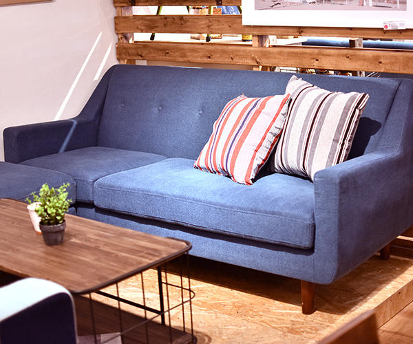 Excellent Soraciel Take Three Couch Sofas Two Colors Of Denim Sofa Dailytribune Chair Design For Home Dailytribuneorg