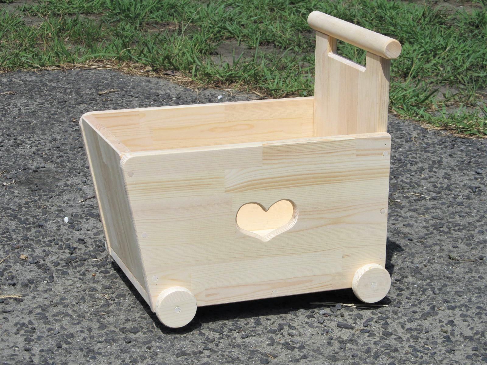 手作り木製 おもちゃも運べる手押し車-1型・片面透かし(透かしの御希望、承ります(^O^)/・木製 知育 手作り 積み木 木のおもちゃ カタカタ 車 手押し車 出産祝い お誕生日