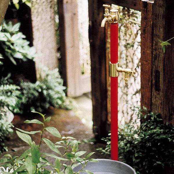 【送料無料】レトロな立水栓 「クラシック立水栓 双口 (ブラス蛇口2個付き)」古くて懐かしい レトロモダン 水栓柱 タップ クラシック アンティーク 和風 レトロ ガーデン ガーデニング 庭 水洗 水道 ガーデンタップ 輸入住宅