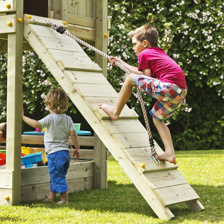 お庭がステキな遊園地に!子供たちにもっと運動を!はらっぱBASEに追加して楽しめるロープ坂です。 DIY 屋外 木製 家庭用遊具作成用パーツ 「はらっぱギャング はらっぱBASEオプション ロープ坂(エコアコールウッドセット)」 【送料無料対象外】 自作