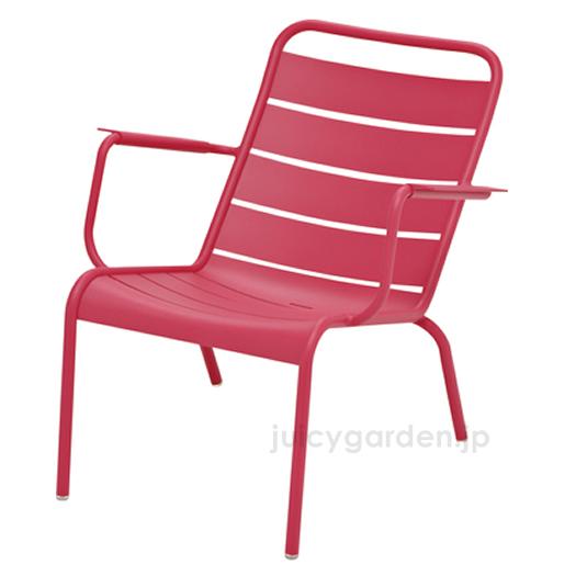 【チェア】【イス】【椅子】ゆったり座れるガーデンチェアFermob ルクセンブールローアームチェア屋外対応!【フェルモブ】【ファニチャー】【ガーデン】【庭】【送料無料】