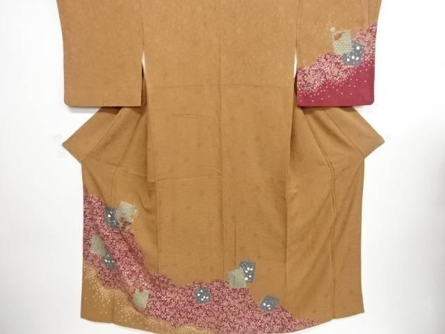 金彩絞り道長取・色紙に菊・楓模様刺繍訪問着【リサイクル】【中古】【着】 宗sou
