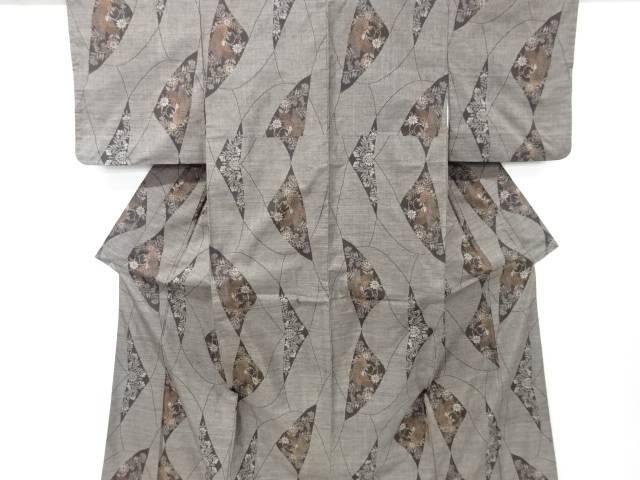 菊に蝶模様織り出し本場泥大島紬着物(9マルキ)【リサイクル】【中古】【着】 宗sou