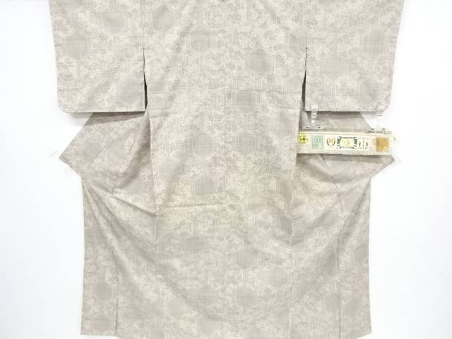 未使用品 重要無形文化財本場結城紬100亀甲花模様織り出し着物【リサイクル】【着】 宗sou