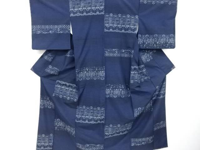 未使用品 仕立て上がり 横段に更紗模様織出手織り真綿紬着物【着】 宗sou