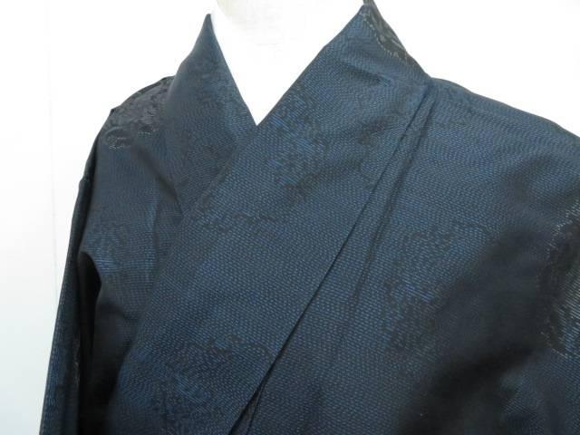 未使用品  大島紬 横双 雪輪に牡丹文 着物【リサイクル】【着】 宗sou