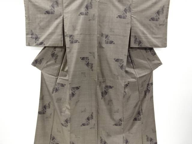 蝶模様織り出し本場泥大島紬着物(7マルキ)【リサイクル】【中古】【着】 宗sou