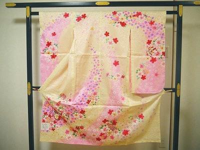 七五三 仕立て上がり 四つ身 友禅 着物 正絹薄黄色 桜に手毬  7歳用