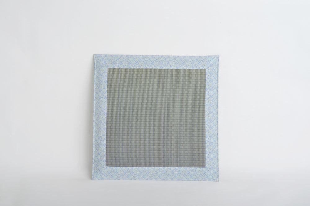【送料無料】小花(青)60cm 4枚セット 熟練された職人の手で織り上げられた座布団です。