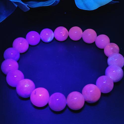 【天然石】ハックマナイト10ミリ☆カラーチェンジ☆紫外線☆ハックマン石☆ブルー☆パープル☆青から紫に☆