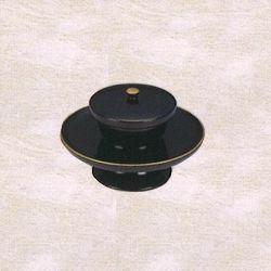 蓋付背短茶台(黒漆塗渕金) 5.0寸