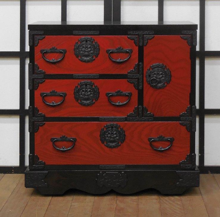 岩谷堂箪笥 車付き箪笥赤黒 【受注生産 約2.5ヶ月後お届け】【送料無料】【開梱設置】