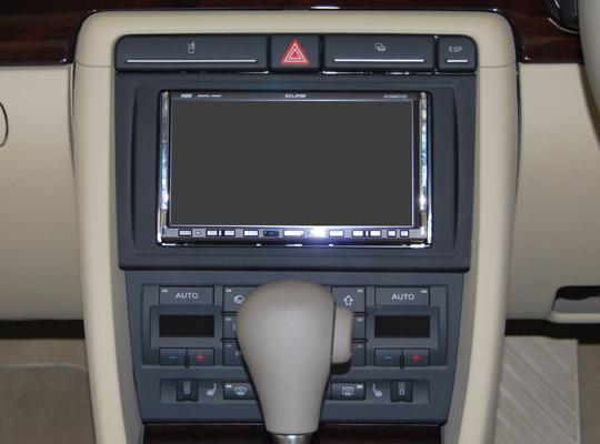 【送料無料】AU4B7A2D07A pb(ピービー)アウディ Audi A4用1DINキット 純正1DINオーディオ付車用 【オーディオ/ナビゲーション/取付/キット/インストール】