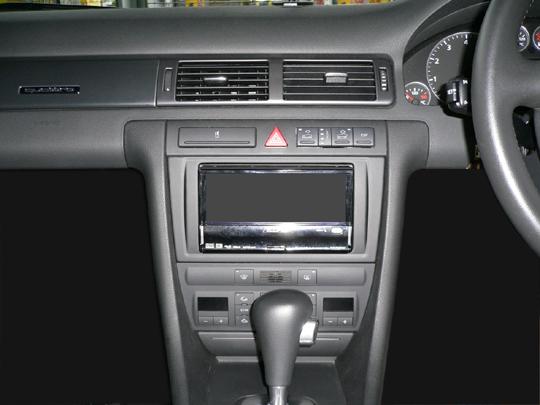 【送料無料】AU64BA2D02A pb(ピービー)アウディ Audi A6・オールロードクワトロ用2DINキット 純正DVDナビ(MMS)付車用【オーディオ/ナビゲーション/取付/キット/インストール】