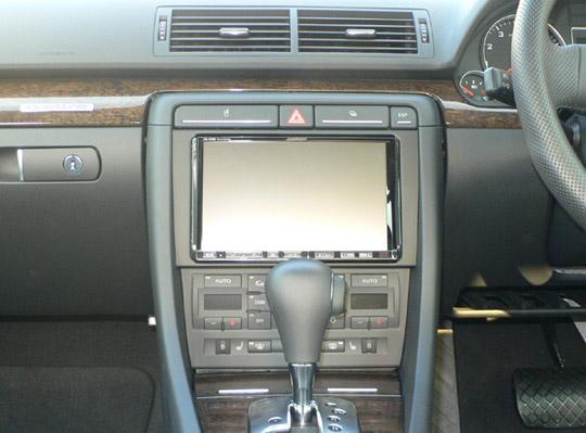 【送料無料】X088AU48E02B pb(ピービー)Audi アウディ A4用アルパインBIGX専用キット 純正DVDナビ(MMS)付車用 【オーディオ/ナビゲーション/取付/キット/インストール】
