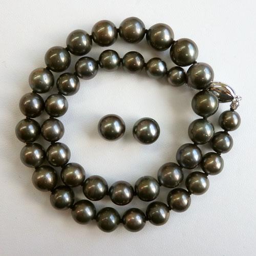 南洋真珠(黒蝶真珠)グリニッシュグレーネックレス2点セット 9.0-11.9mm 【金属アレルギー対策可能】
