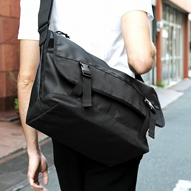 NUMBER (N) INE (number nine) Messenger bag (black) men's / men's fashion / popularity / brand / fashion / adult / casual / mail order
