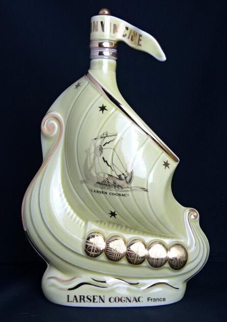ラーセン トパーズイエローシップ 700ml 40度 LARSEN Topaz Yellow Viking Ship Cognac ブランデー/コニャック A08791