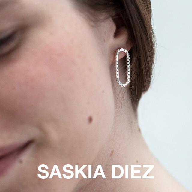 SASKIA DIEZ サスキアディーツ サスキアディツ GOLD SHORT LOOP EARRINGS ゴールド ショート ループ ピアス イヤリング レディース 両耳用