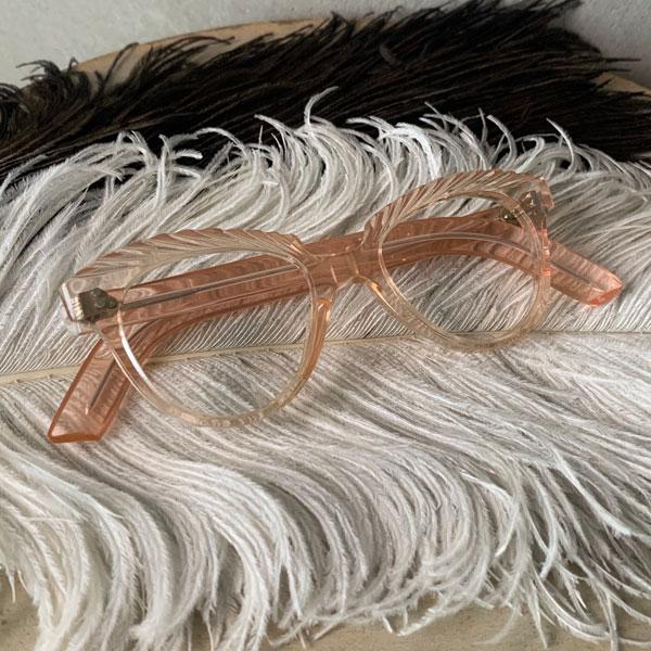 50's FRANCE Fox Frame(フォックス メガネフレーム)Pink 【海外直輸入新古品】眼鏡めがねピンククリア透明セルロイドフランスフレームアンティークフレンチサングラスキャットアイモンロー型1950年ミッドセンチュリーセルフレーム