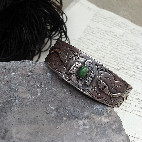 Thunderbird×Snake×Swatika Ingot Silver Bracelet (サンダーバード×スネーク×スワティカ インゴットシルバー バングル) インディアンジュエリーturquoiseネイティブアメリカンantiquejewelryアンティークアクセサリーaccessory銀