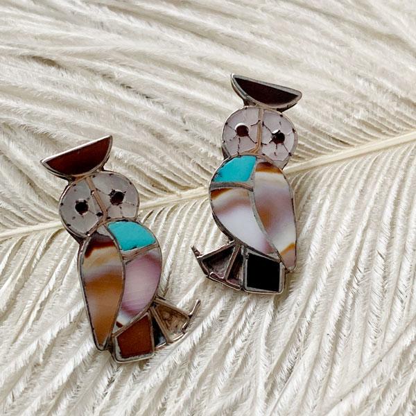 Inlay Owl Silver Pierced Earrings(インレイフクロウ シルバーピアス) ズニ族インディアンジュエリーネイティブアメリカンアンティークアクセサリーレディースメンズindian jewelry梟猛禽類アニマルバード鳥ペットスタッドピアス動物