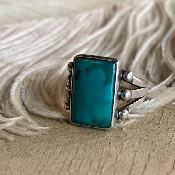Turquoise Split Shank Silver Ring(ターコイズ スプリットシャンク シルバーリング) ナバホnavajoインディアンジュエリーネイティブアメリカ ンアンティークアクセサリーメンズindian jewelry指輪トルコ石シルバードロップアクセサリー