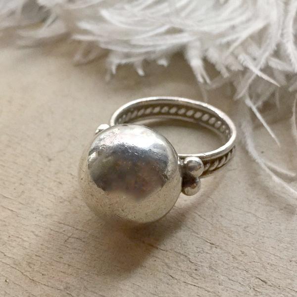 Mexican Silver Beads Face Ring(メキシカン シルバービーズフェイスリング) インディアンジュエリーネイティブアメリカンアンティークアクセサリーメンズindian jewelry指輪メキシコ銀ジュエリーナバホパールツイステッドワイヤー