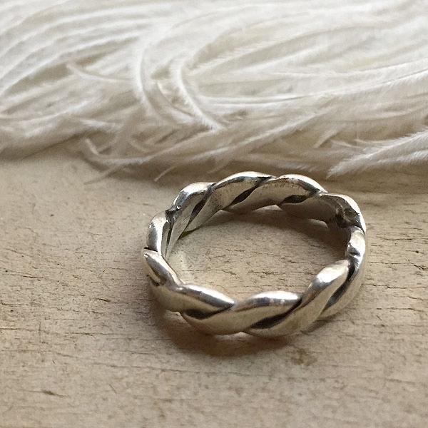 Flat Twisted Wire Silver Ring(フラットツイステッドワイヤー シルバーリング) indian jewelry指輪シンプルツイストワイヤーシルバーアクセサリーメキシカンインディアンジュエリーネイティブアメリカンナバホ族navajoメキシコ1960s