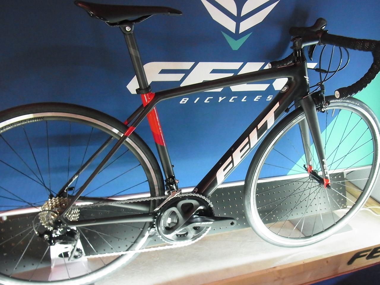 【2019年先行注文限定1000円オフクーポン】FELT(フェルト)2019年モデルFR5ロードバイク