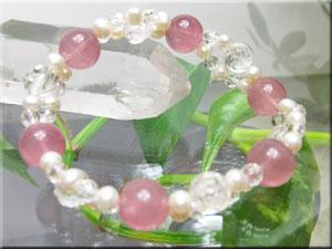 ロマンティックな Rose Gardenブレスレット【スターローズクオーツ・薔薇型水晶】