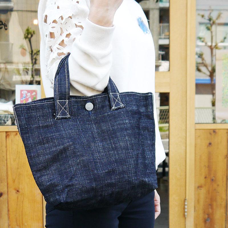 revendeur 0cc51 91bae Domestic Okayama denim made in 14 ounces of denim mudness denim tote bag  Lady's men grip tote bag tote bag denim lunch tote bag mini-tote bag denim  ...