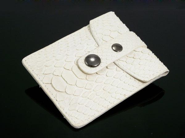 日用品雑貨 パイソン 携帯灰皿 A2290113 ヘビ革 ホワイト