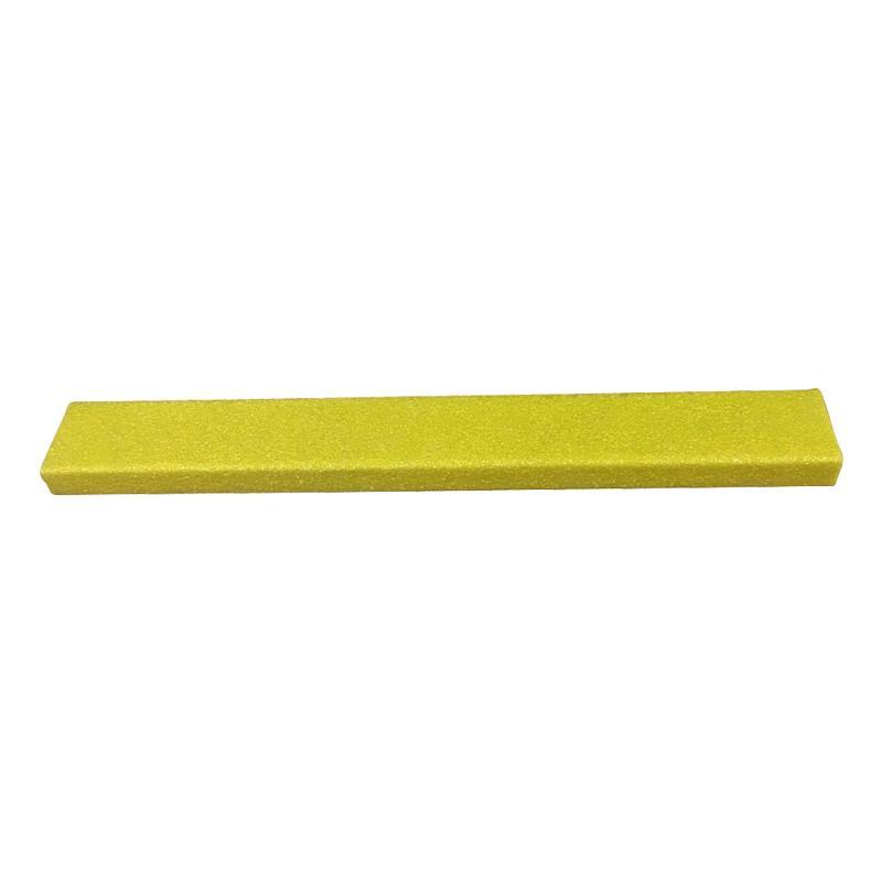 【単四電池 2本】付き鉄板階段用滑り止めカバー。 トレンド 雑貨 おしゃれ 階段用滑り止めカバー 3インチ単色x762mm幅 762x75x25mm 黄色鉄板設置用ネジ付属 12082-S
