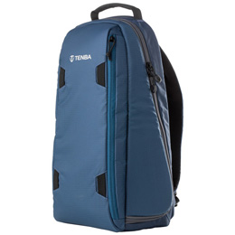 便利雑貨 SOLSTICE スリングバッグ 10L ブルー V636-424