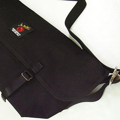 De Martini GLOBE CANVAS MESSENGER BAG(L)黑色[#3602日马丁尼信使包]