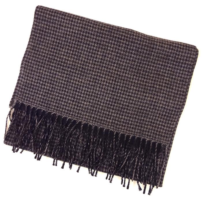 マフラー 男女兼用 千鳥格子 ウール100% リバーシブル ブラック マフラー 相性抜群の配色 服を選ばない定番の1枚 (日本製・マフラー・ストール・巻物)