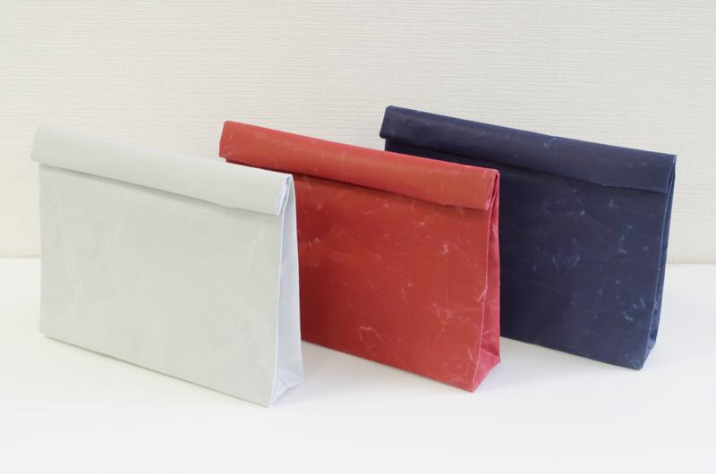 お洒落な和紙のバッグ 売り切れ次第終了カラーです 廃盤カラー クラッチバッグ wide 格安店 SIWA 紙和 低価格 と工業デザイナー深沢直人氏 クラッチ がつくったアイテム 和紙メーカー大直 軽量バック カジュアルバック