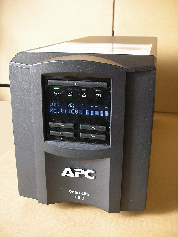使用可能な中古電池に交換済み 中古 実物 正規店 小型タワー型 UPS APC SMT750J Smart-UPS LCD 750