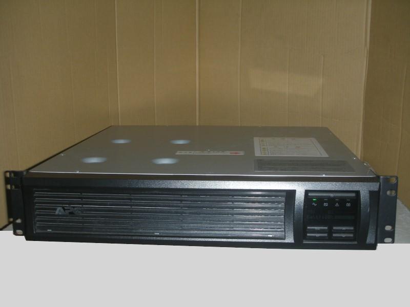 電池劣化が進んでいる由 格安販売となっております 中古 格安販売 ラックマウント型 UPS LCD SMT1500RMJ2U Smart-UPS APC ギフ_包装 1500 お値打ち価格で