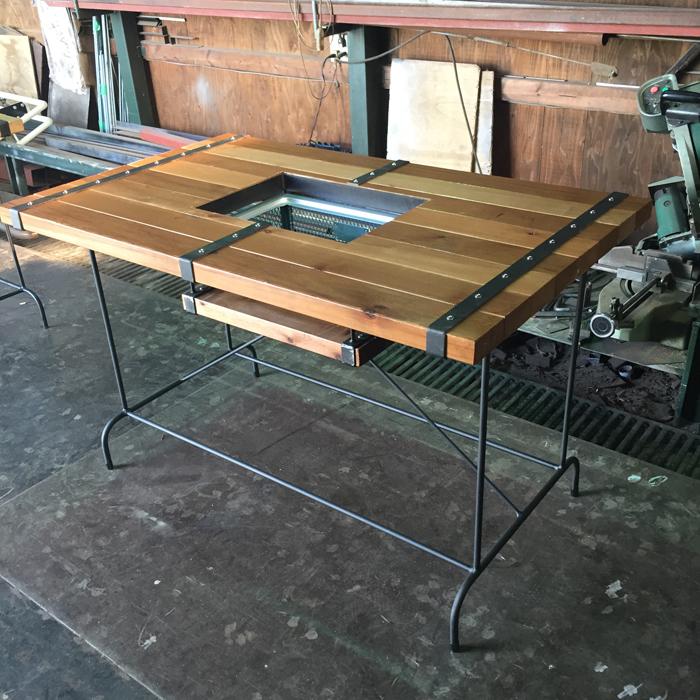 STEEL BELT オリジナル BBQテーブル ウエスタンレッドシダーウォルナット 無垢材 無垢 アイアン家具 ダイニングテーブル テーブル 木製 ビンテージ インダストリアル ウエスタン ダイニング 食卓 男前インテリア 食卓テーブル W1200 D720 H750