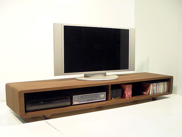 【送料無料】テレビボード 幅180cm TVボード テレビ台 TV台 リビングボード AVボード テレビラック 液晶 プラズマ 薄型 ロータイプ ローテレビシンプルで機能的なTVボードです。